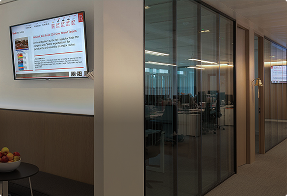 How Modern Offices are Using Wall-Mounted Technology Screens